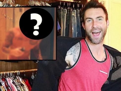 Adam Levine cambió radicalmente de look - [FOTOS]