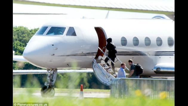 ¡Taylor Swift y Joe Alwyn son vistos juntos subiendo a un jet privado! [FOTOS]