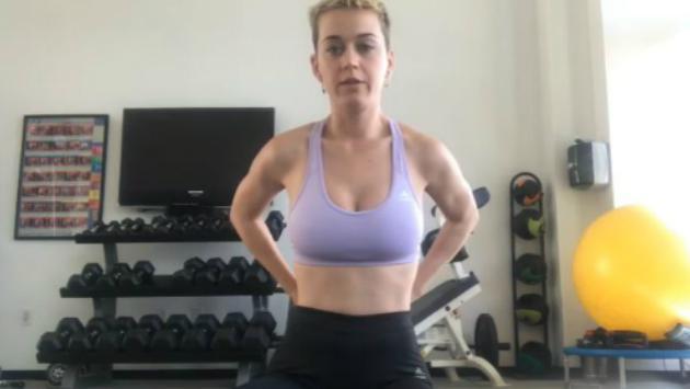 Katy Perry nos da una clase de yoga [FOTOS Y VIDEO]