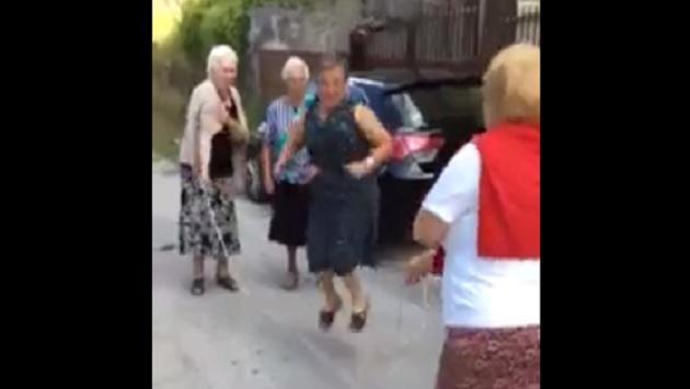 Abuelitas saltando la soga enternecen las redes [VIDEO]