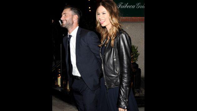 Así Adam Levine y Behati Prinsloo viven su historia de amor [FOTOS]