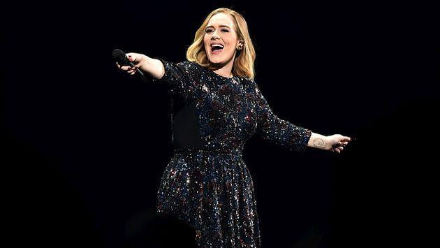 OMG! ¿Adele se casó en secreto?