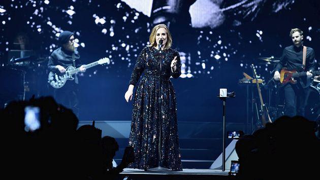 ¡Adele es responsable de una nueva propuesta de matrimonio en pleno concierto! [VIDEO]