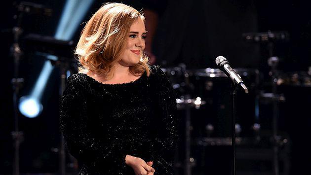 OMG! ¡Adele fue nombrada la Artista del año 2015!