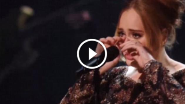 Adele rompió en llanto durante concierto [VIDEO]