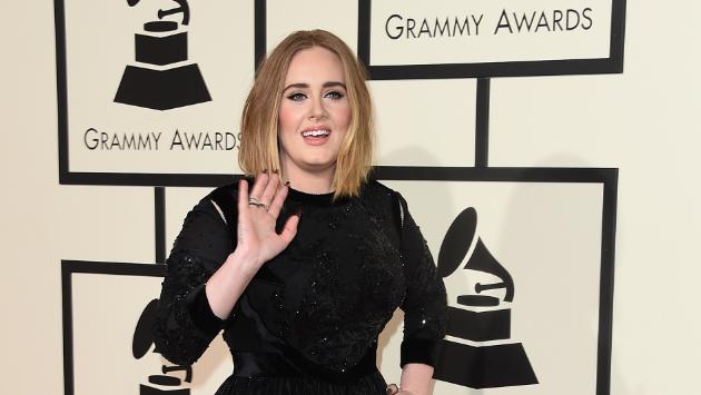 ¡Adele confesó que lloró luego de su mala presentación en el Grammy 2016!