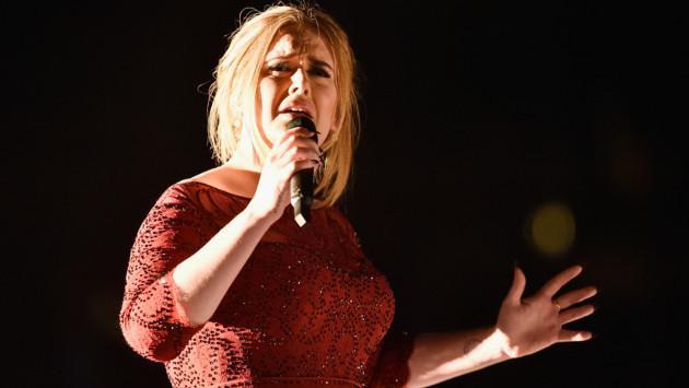 WTF! ¿Adele besó a Justin Bieber? [VIDEO]