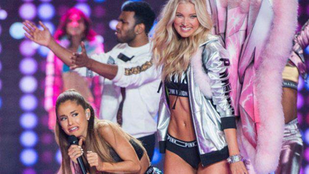 Recuerda el roche de Ariana Grande con ángel de Victoria's Secret en un desfile. ¡Mira lo que pasó! [VIDEO]