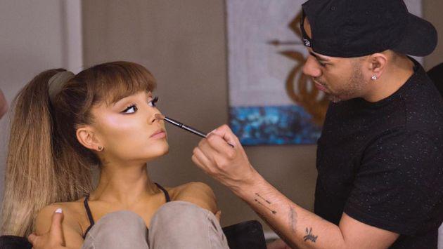 Este es el extraño truco de belleza de Ariana Grande [FOTOS]