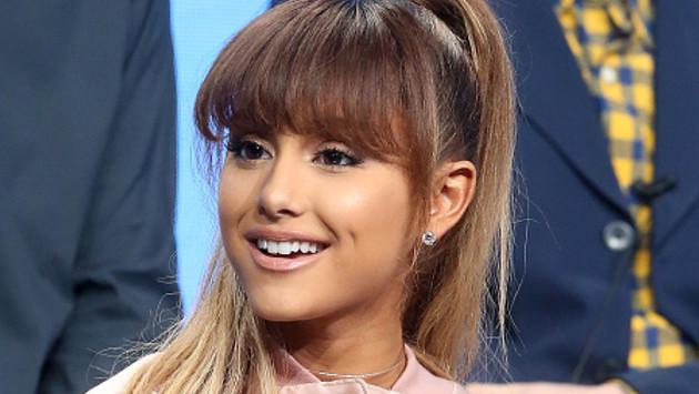 Ariana Grande sorprende en spot hablando en español