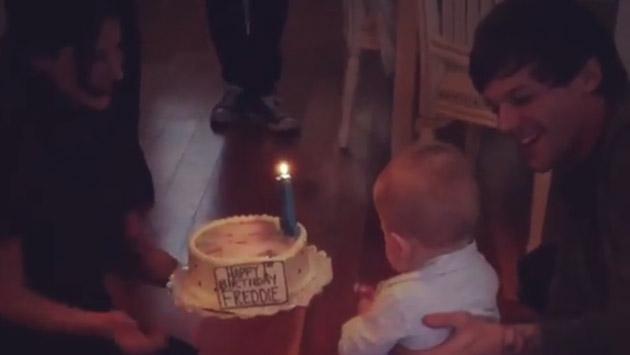 Así fue como Louis Tomlinson de One Direction celebró el primer cumpleaños de su hijo Freddie [VIDEO]