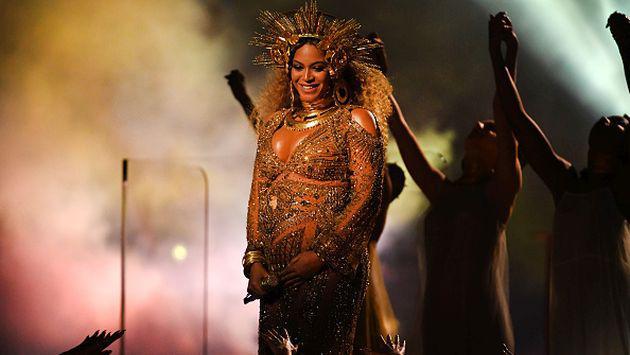 Grammy 2107: ¡Revive la increíble presentación de Beyoncé! [VIDEO]