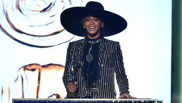 ¡Beyoncé estornudó en pleno concierto y no te imaginas cómo reaccionaron sus fans! [VIDEO]