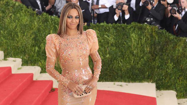OMG! ¡Beyoncé es acusada de explotar a mujeres!