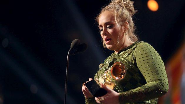 OMG! Adele rompió su Grammy para compartirlo con Beyoncé [FOTO]