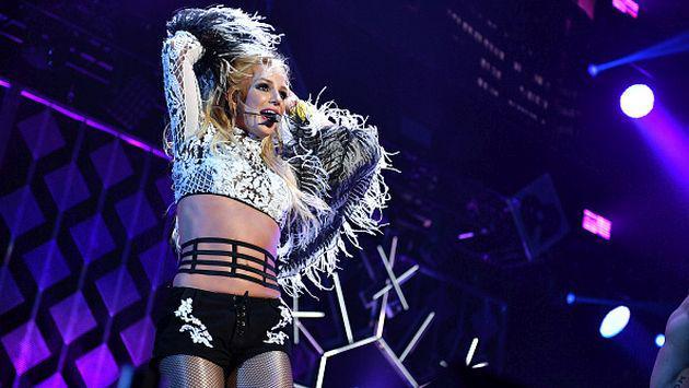 El vestuario le vuelve a jugar una mala pasada a Britney Spears [VIDEoO]