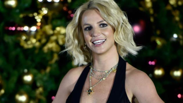 ¡Britney Spears luce espectacular con sexy bikini! [VIDEOS]