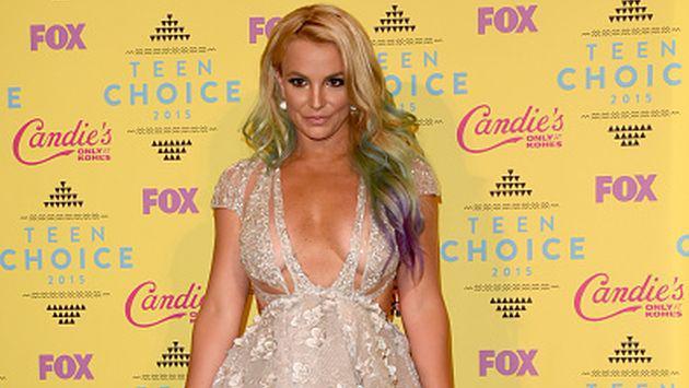 Britney Spears luce sensual en la portada de V Magazine [FOTOS]