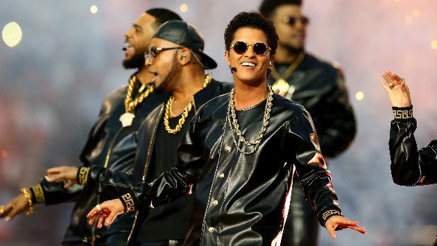 ¡Bruno Mars se ve envuelto en bochornoso escándalo!