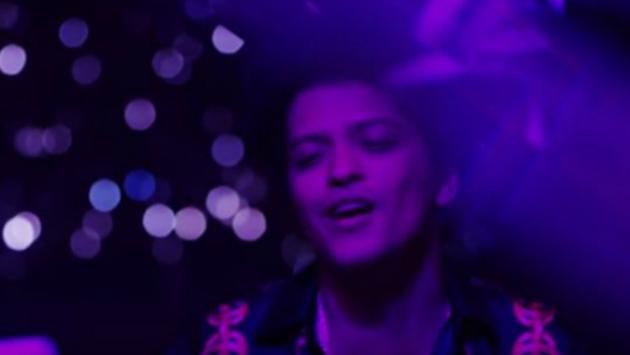 ¡Bruno Mars lanza el video oficial de 'Versace on the Floor'! Míralo aquí [VIDEO]