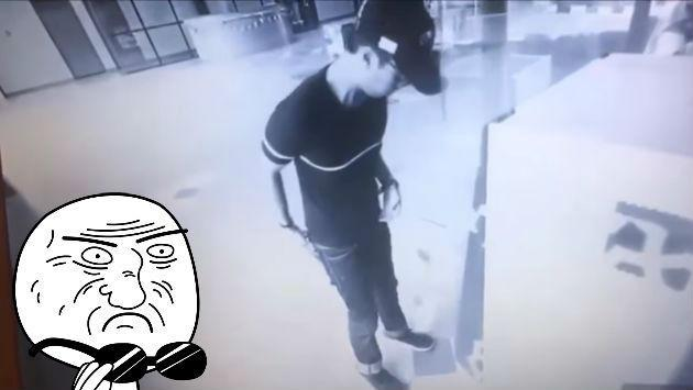 ¡Este cajero automático 'reventó' como una máquina de tragamonedas! [VIDEO]