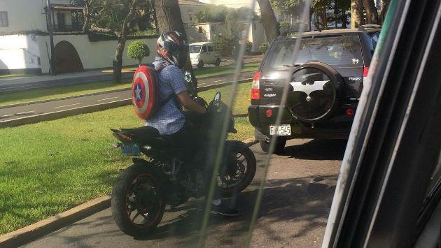 ¿El Capitán América persigue al Batimóvil de Batman en Lima?