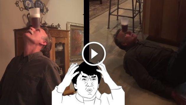 Hombre mostró su destreza para beber una cerveza sin utilizar las manos. ¡Chécalo! [VIDEO]