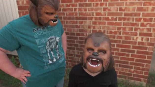 La 'tía Chewbacca' contraataca en Facebook con este nuevo video