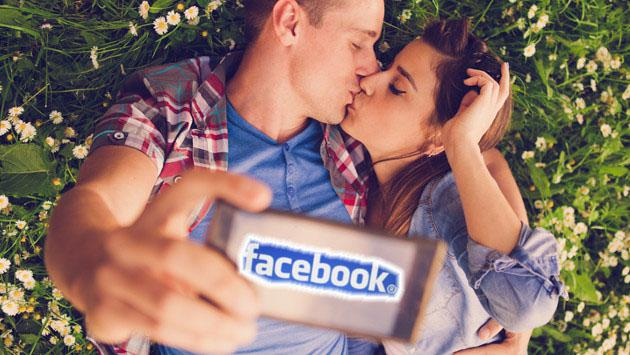Si pones en Facebook muchas publicaciones sobre tu relación, esto te puede estar pasando