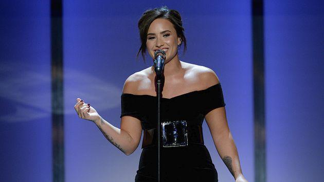 Así es como Demi Lovato protagoniza el nuevo reto viral de 2017 [VIDEOS]