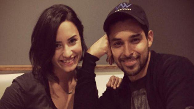 ¡Demi Lovato y Wilmer Valderrama no pueden quitarse las manos de encima! [FOTO]