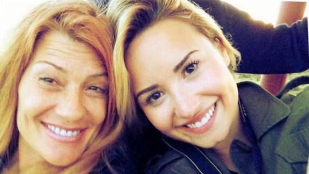 Demi Lovato se disculpó por este incómodo comentario de su mamá [VIDEO]