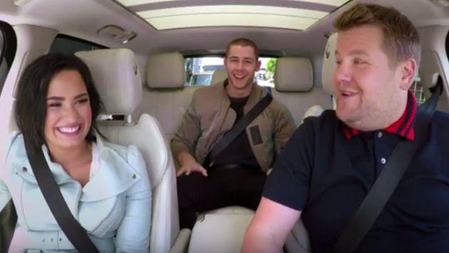 Demi Lovato y Nick Jonas cantan en la calle durante el 'Carpool karaoke' [VIDEO]