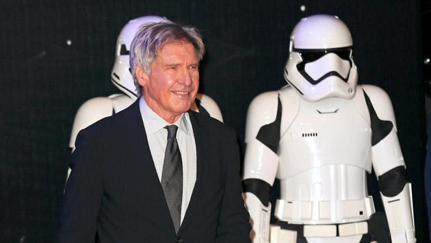 El actor de 'Star Wars' Harrison Ford volvió a burlar la muerte mientras volaba un avión