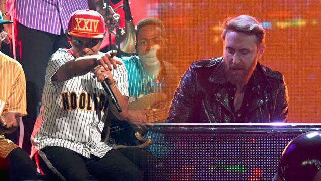 El remix de 'Versace on The Floor', con Bruno Mars y David Guetta, es lo mejor que escucharás hoy [VIDEO]