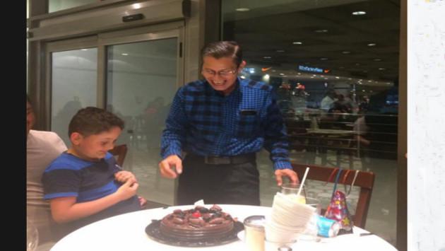 Este hombre quiso celebrar su cumpleaños con su familia, pero mira lo que pasó [FOTOS]