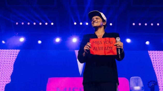 Esto es lo que los fans de Bruno Mars son capaces de hacer con tal de verlo en concierto