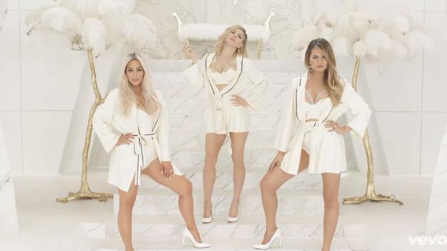 Photoshop #detected? Esta cinturita de infarto de Kim Kardashian en el nuevo video de Fergie también te hará dudar a tí