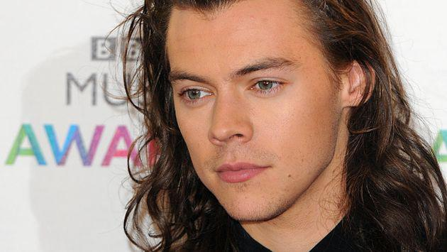 OMG! ¡Harry Styles se sometió a radical cambio de look! [FOTO]