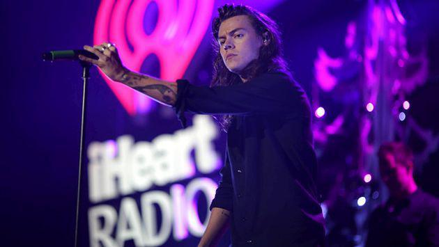 OMG! Harry Styles estaría molesto porque se publicó que tiene mal olor corporal