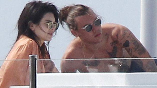¡Harry Styles y Kendall Jenner fueron ampayados besándose! [FOTOS]