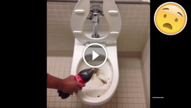 OMG! Esto es lo que pasa cuando le echas gaseosa a un inodoro [VIDEO]