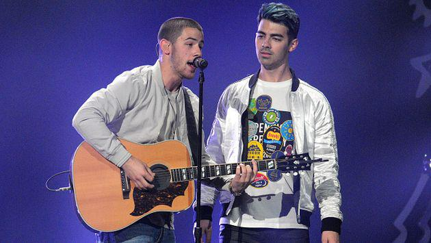 ¿Joe Jonas sigue los pasos de su hermano Nick? [VIDEO + FOTOS]