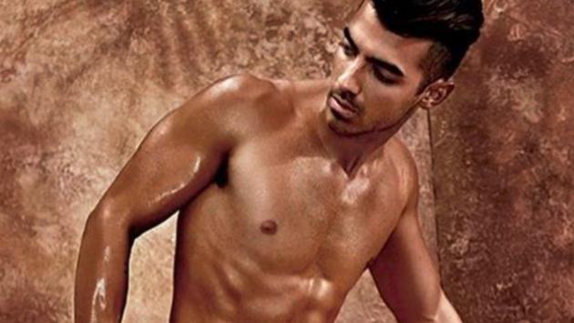 Joe Jonas se luce por primera vez  en nueva campaña de ropa interior [FOTOS]