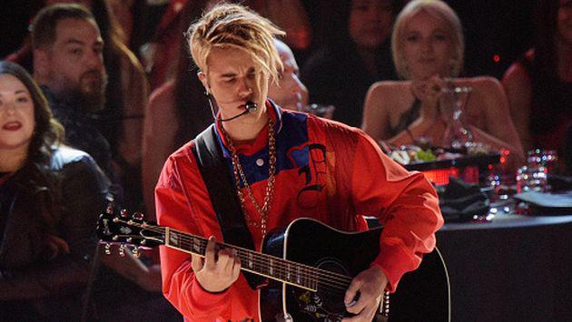 ¿Justin Bieber le mandó un mensaje a Selena Gomez en pleno concierto? [VIDEO]
