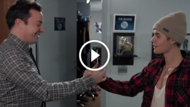 Justin Bieber y Jimmy Fallon la rompen con este saludo. ¡Tienes que verlo! [VIDEO]