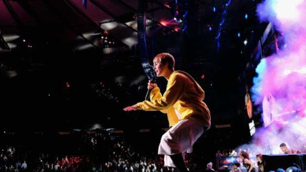 Justin Bieber se relaja rapeando 'Versace' de Migos con Drake [VIDEO]