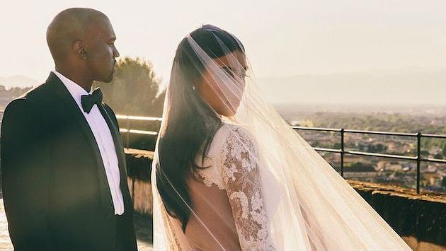 ¡Kanye West le dio a Kim Kardashian 150 regalos por Navidad!