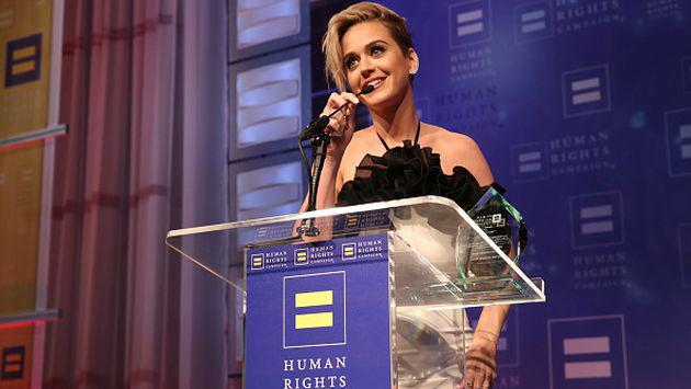 Katy Perry le rinde un sentido tributo a fan fallecida [FOTO]