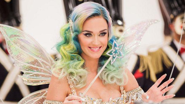Katy Perry dio increíble regalo de Navidad a una niña víctima de graves quemaduras [FOTOS]